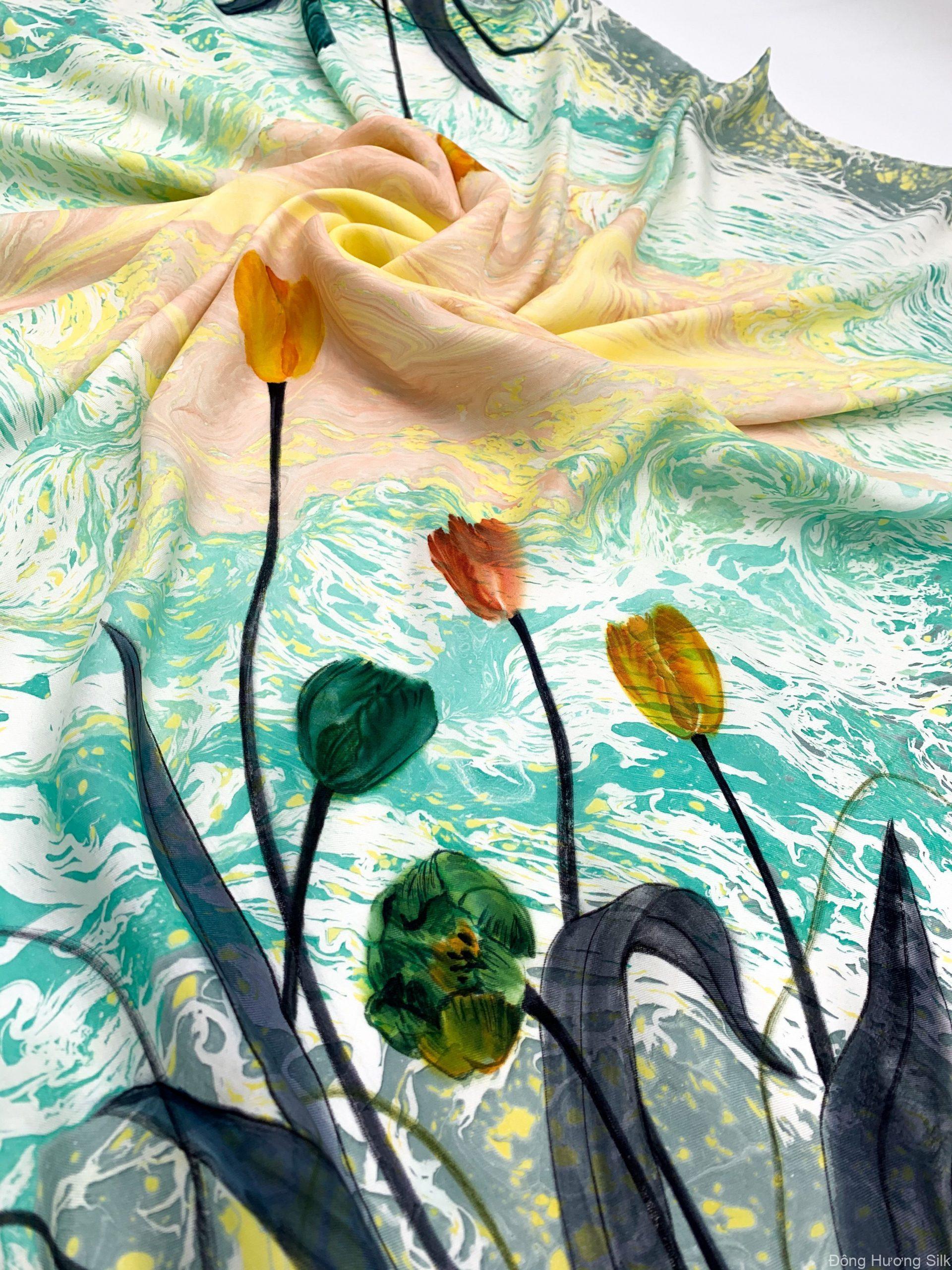 khan-vuong-lua-to-tam-ve-tay-thuy-an-hoa-tulip-vang-xanh-1