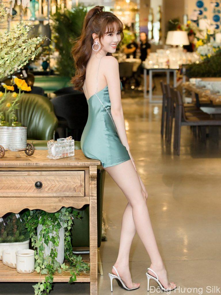 vay-lua-xu-huong-thoi-trang-chinh-phuc-cac-my-nhan-viet-2