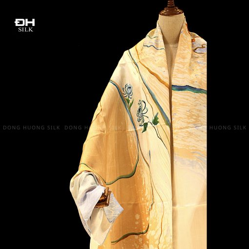 khan-lua-to-tam-ve-tay-thuy-an-nghe-thuat-hoa cuc-van-nien-Dong-Huong-Silk-2