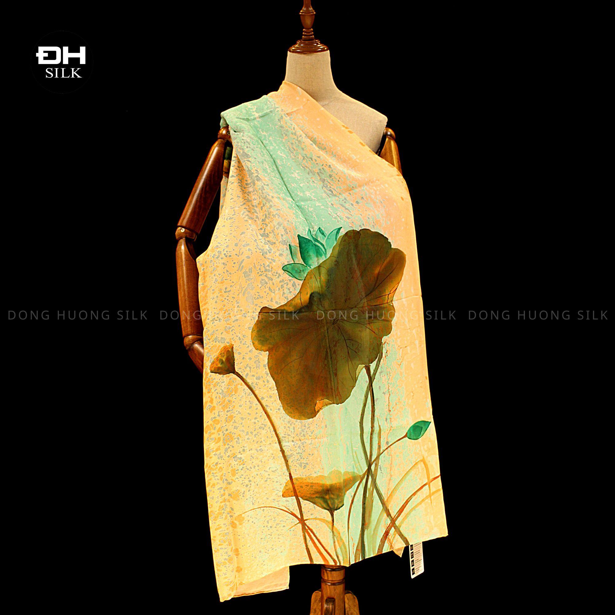 khan-lua-to-tam-ve-tay-thuy-an-nghe-thuat-hoa-sen-bich-thuy-lien-Dong-Huong-Silk-3