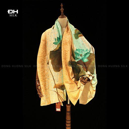 khan-lua-to-tam-ve-tay-thuy-an-nghe-thuat-hoa-sen-bich-thuy-lien-Dong-Huong-Silk-5