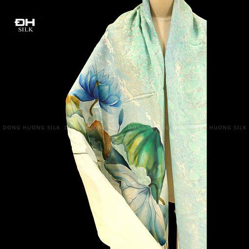 khan-lua-to-tam-ve-tay-thuy-an-nghe-thuat-hoa-sen-nhu-y-Dong-Huong-Silk-3