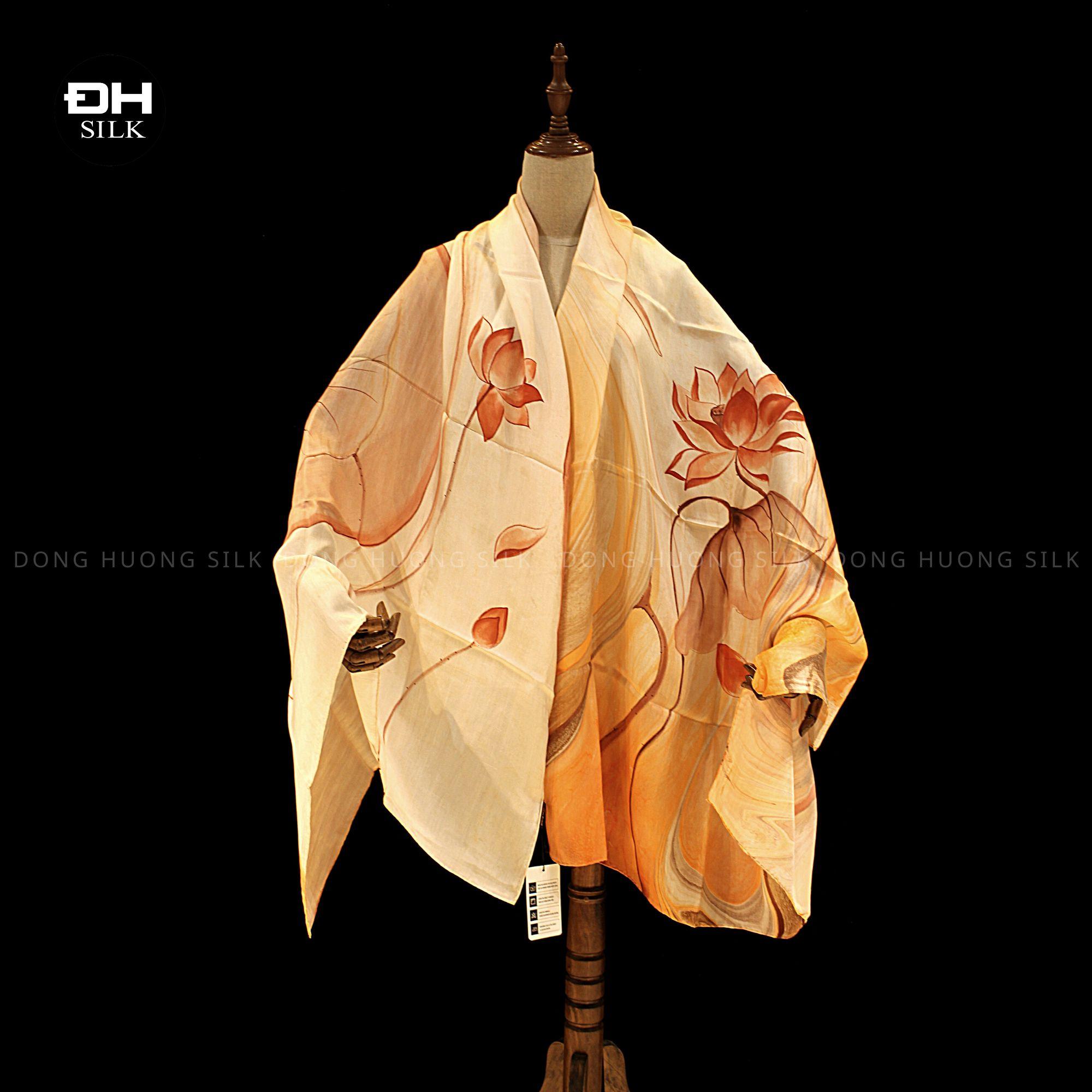 khan-lua-to-tam-ve-tay-thuy-an-nghe-thuat-hoa-sen-vinh-cuu-Dong-Huong-Silk-2