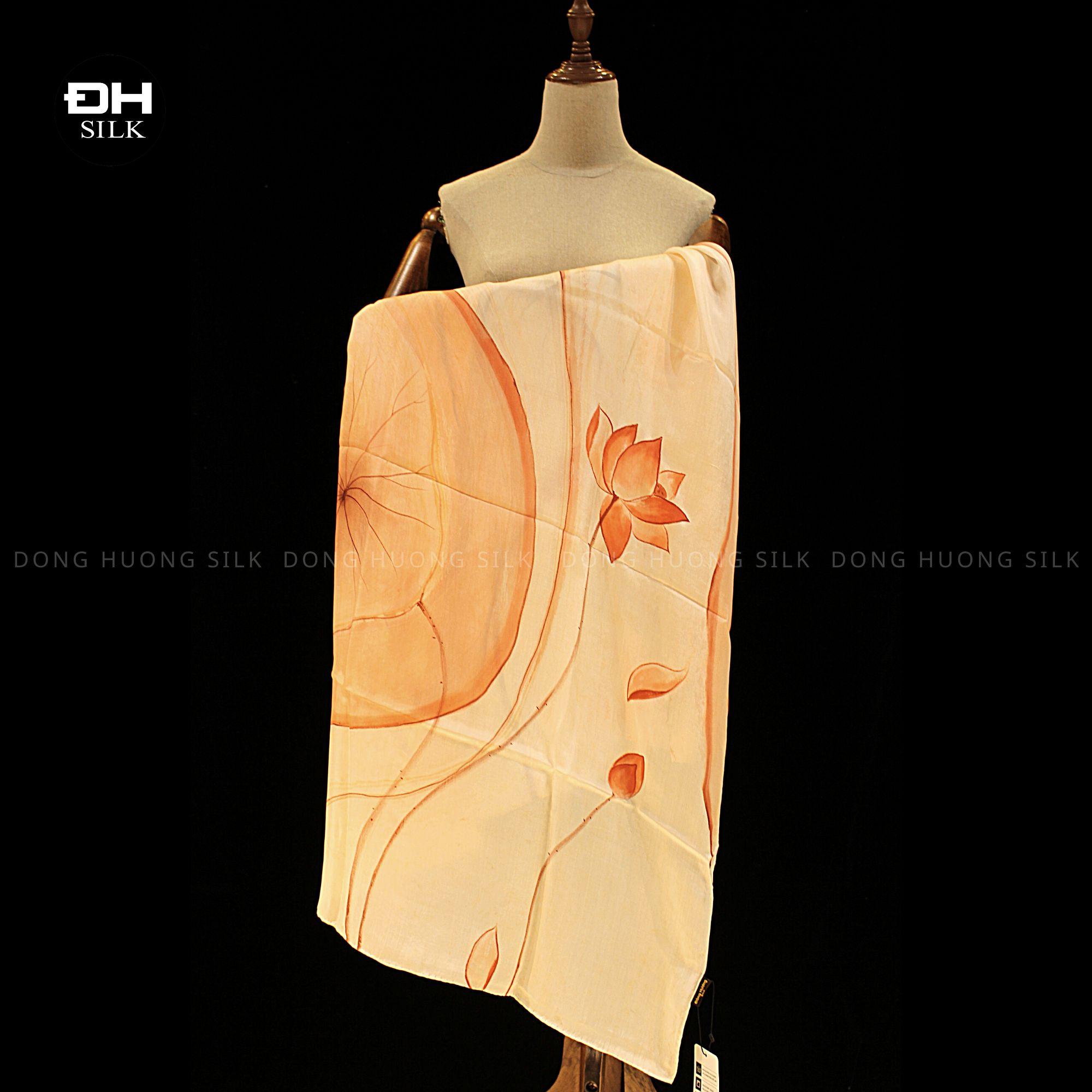 khan-lua-to-tam-ve-tay-thuy-an-nghe-thuat-hoa-sen-vinh-cuu-Dong-Huong-Silk-6