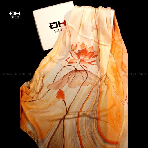 khan-lua-to-tam-ve-tay-thuy-an-nghe-thuat-hoa-sen-vinh-cuu-Dong-Huong-Silk-7